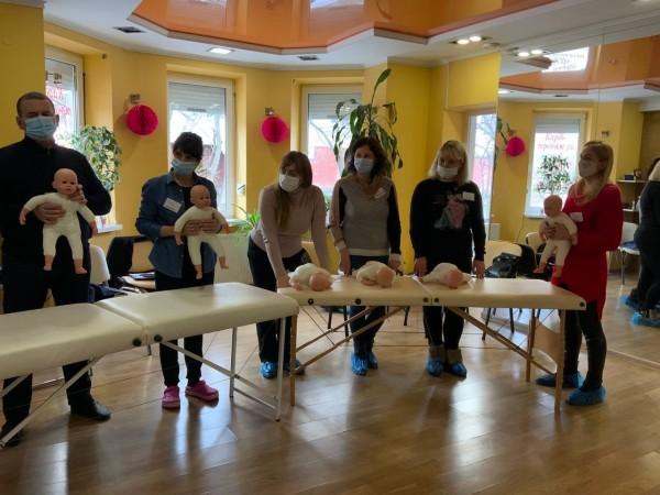 """Семінар """"Дитячий масаж та гімнастика від 0 до 1 року"""" 06.02.21"""